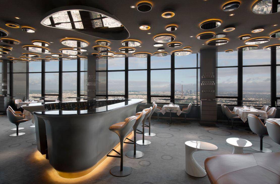 Romantisches Restaurant über den Wolken | Paris mal anders