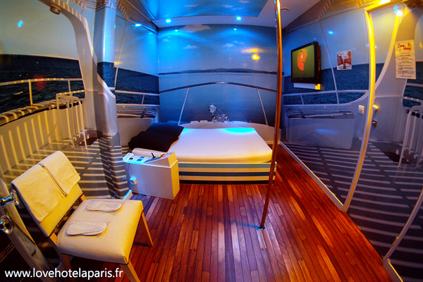 Love_Hotel_cabine_capitaine