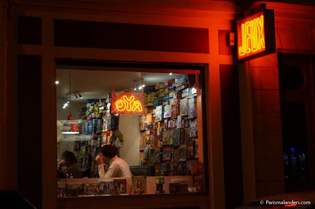 Café Oya Aussen Kinder Abend Bar Paris