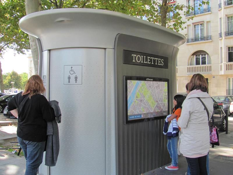 Vespasienne Toilette Paris