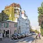 1024px-Montmartre_streets_(1)