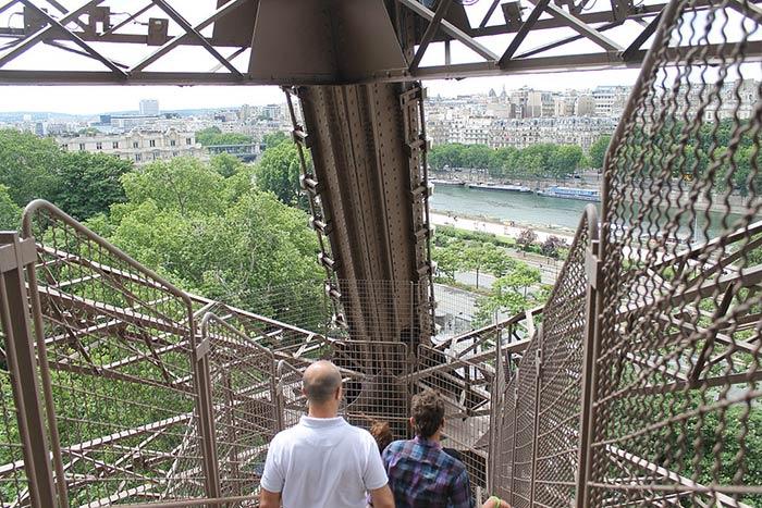 Treppen-Eiffelturm
