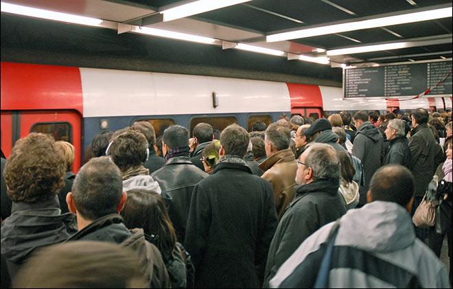 Chatelet-Groesster-Bahnhof-der-Welt-Paris