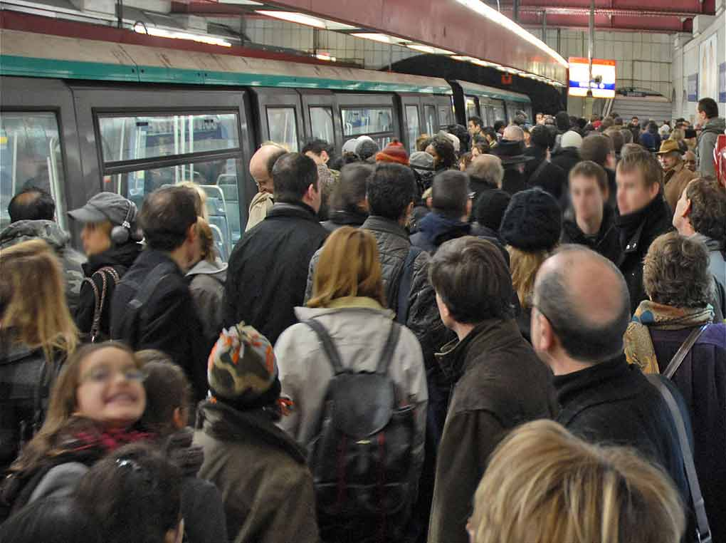 Paris Metro Streik Rush Hour Voll