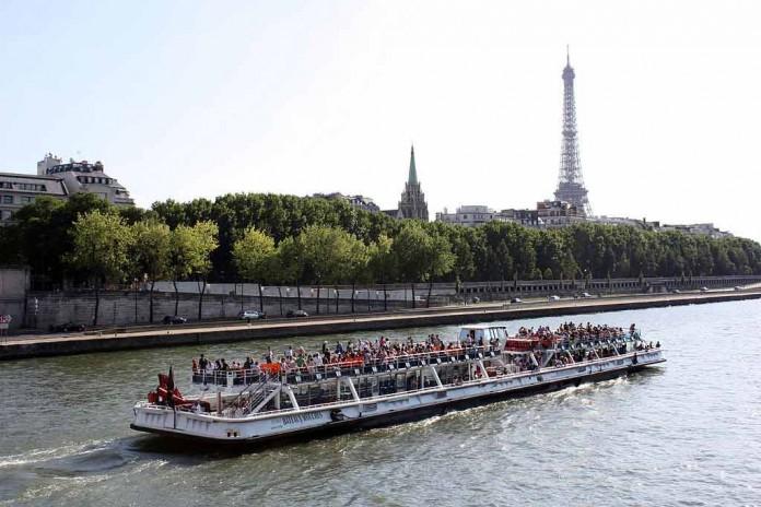 Seine Bootsfahrten Paris