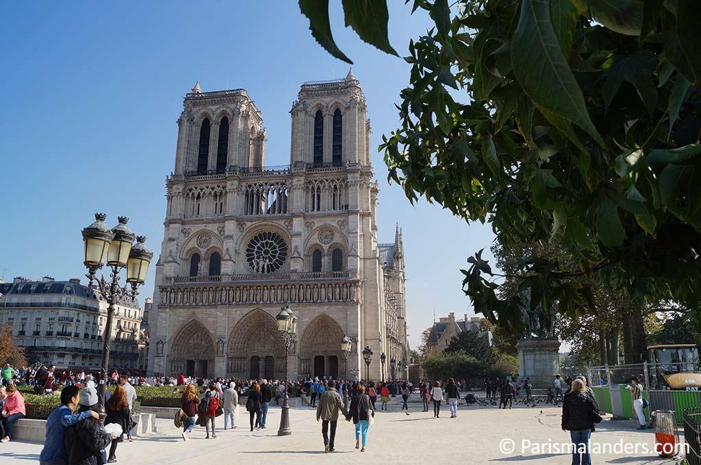 Sicherheitshinweise Verbote Notre Dame Paris