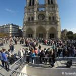 Warteschlange Notre Dame Paris