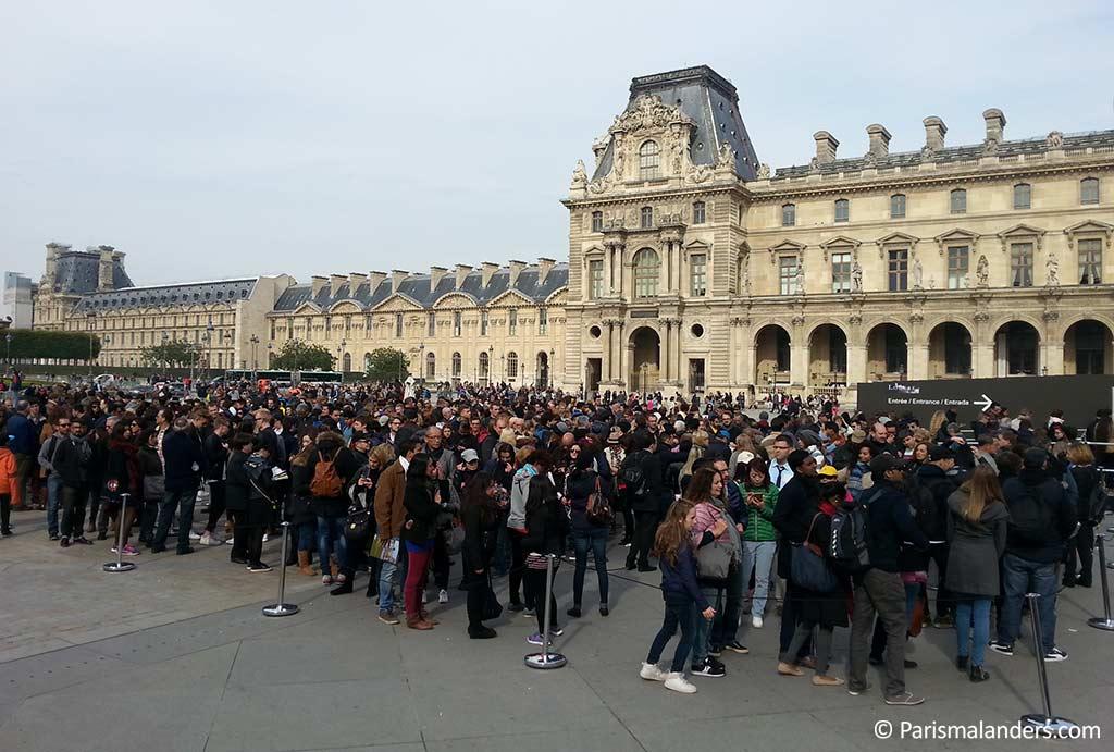 Wartezeiten Warteschlange Louvre