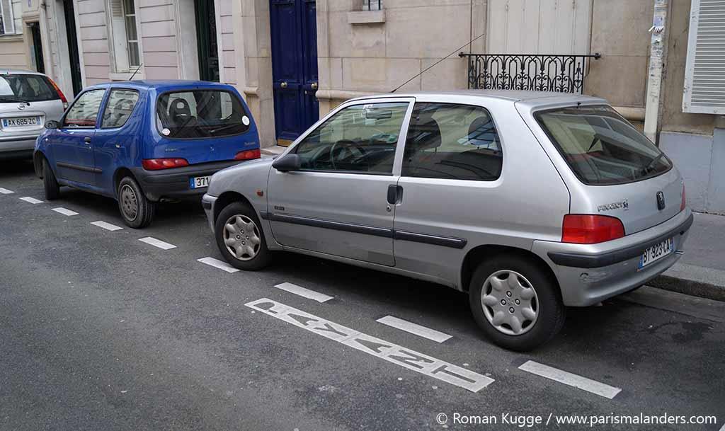 Parkplatz Paris Strassenrand
