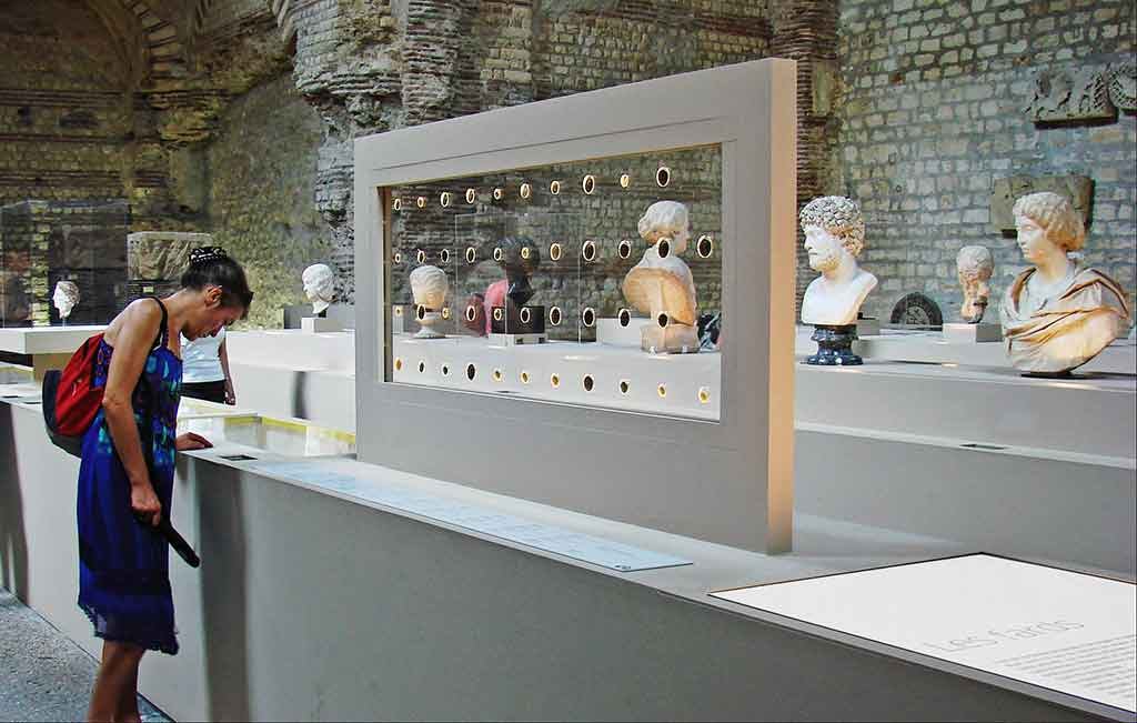Mittelatlermuseum Cluny Paris Thermen Baeder
