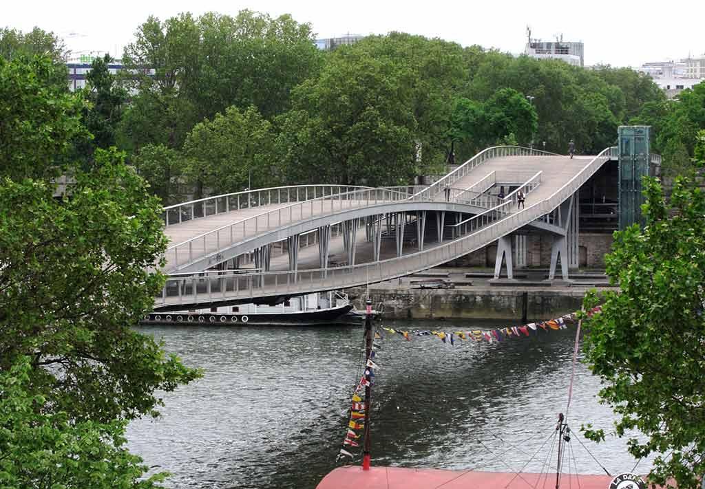 Brücke Passerelle Simone de Beauvoir Paris