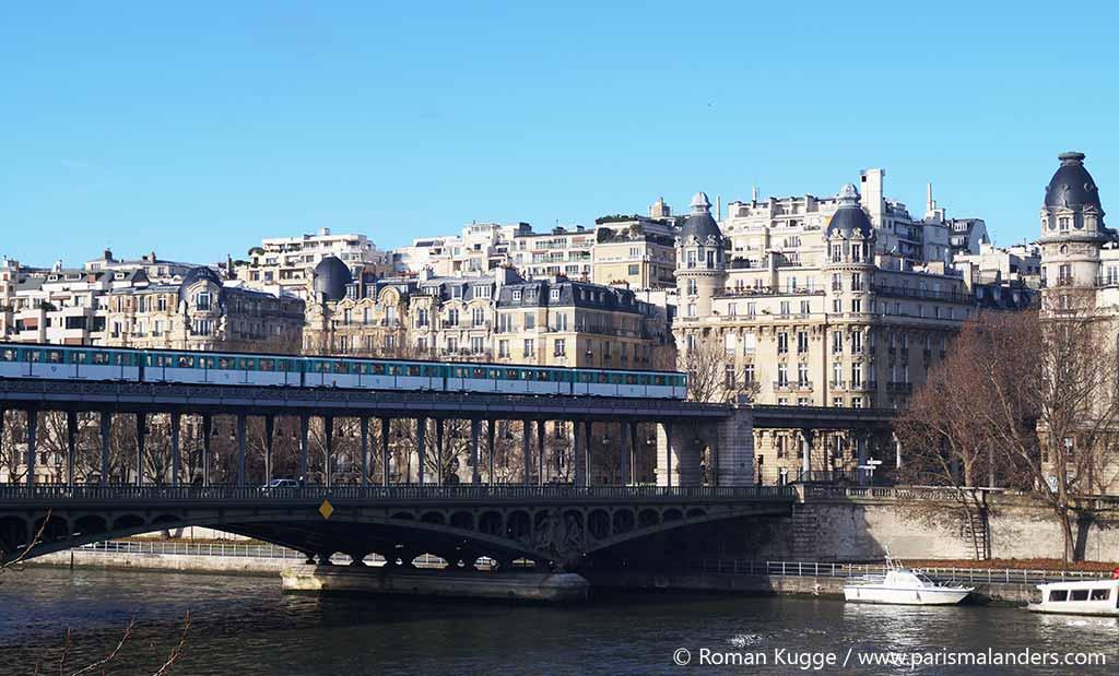 Brücke Pont Bir Hakeim Paris