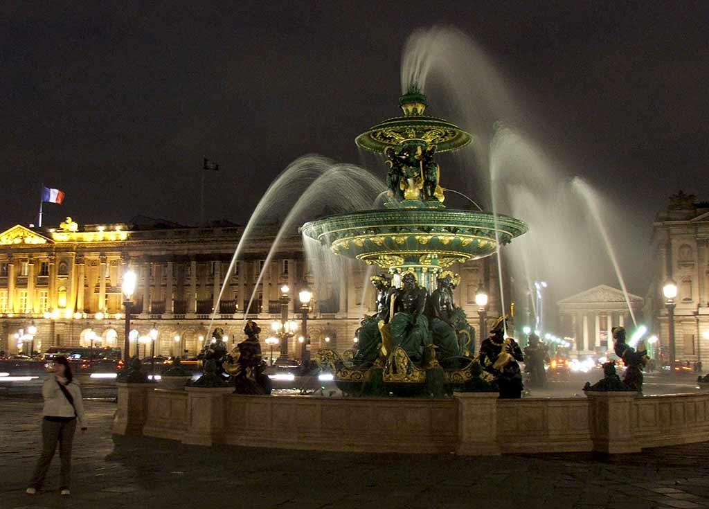 Brunnen Meeresfontaene Flussfontaene Paris Concorde Platz