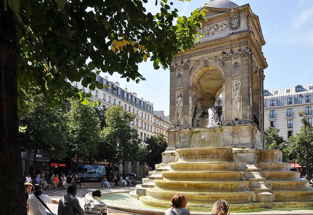 Brunnen der Unschuldigen Fontaine des Innocents Paris