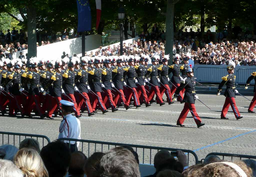 Militaerparade 14 Juli Nationalfeiertag Paris