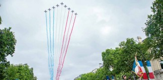 Militaerparade Champs Elysees Paris 14 Juli