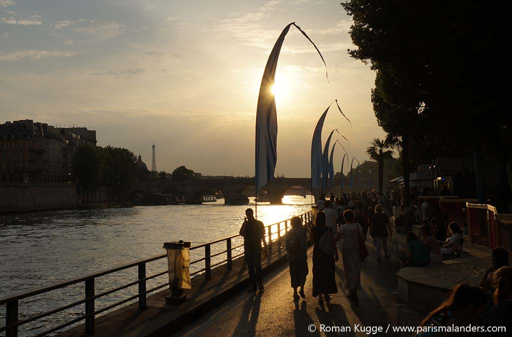 Paris Plages Stadtstrand Sonnenuntergang