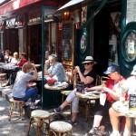 Terrasse Paris im Sommer