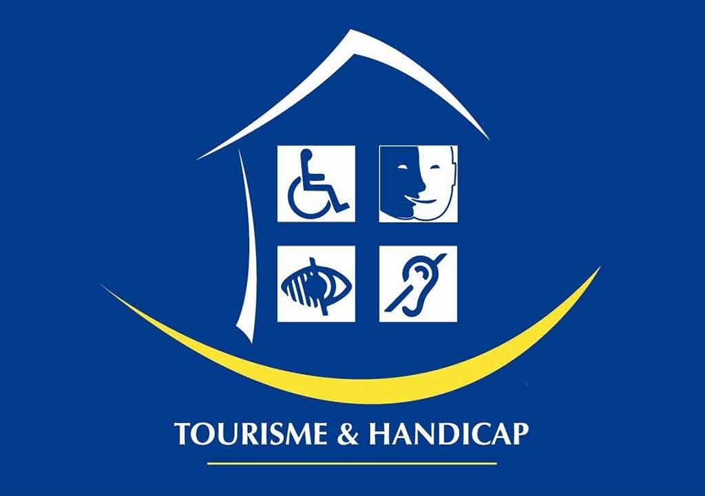 Tourisme et Handicap Rollstuhl Behinderung Paris