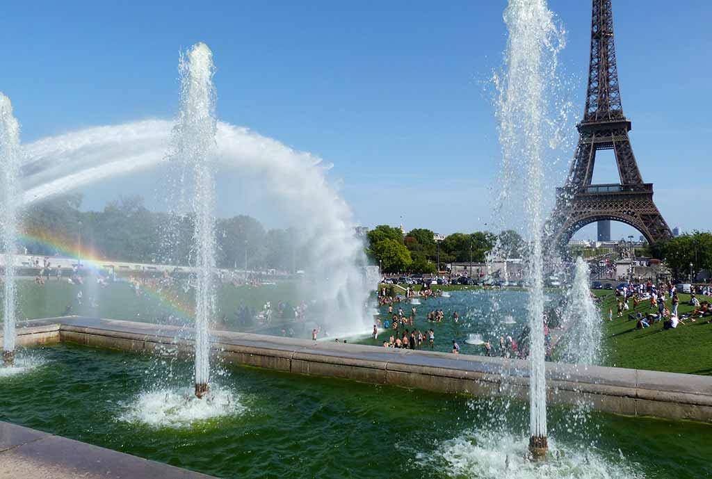 Warschauer Brunnen Paris