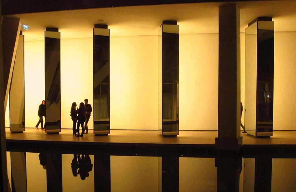 Fondation Louis Vuitton Ausstellung Nuit Blanche Reflections