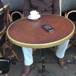 Handy Tisch Terrase Taschendiebe Cafe Paris