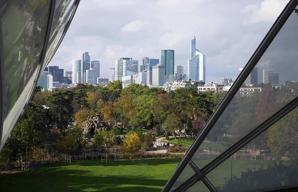 Louis Vuitton Stiftung Blick auf La Défense