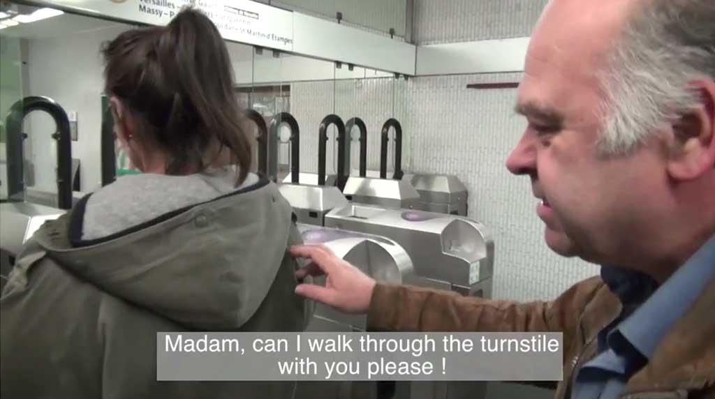 Taschendiebe in der Metro in Paris
