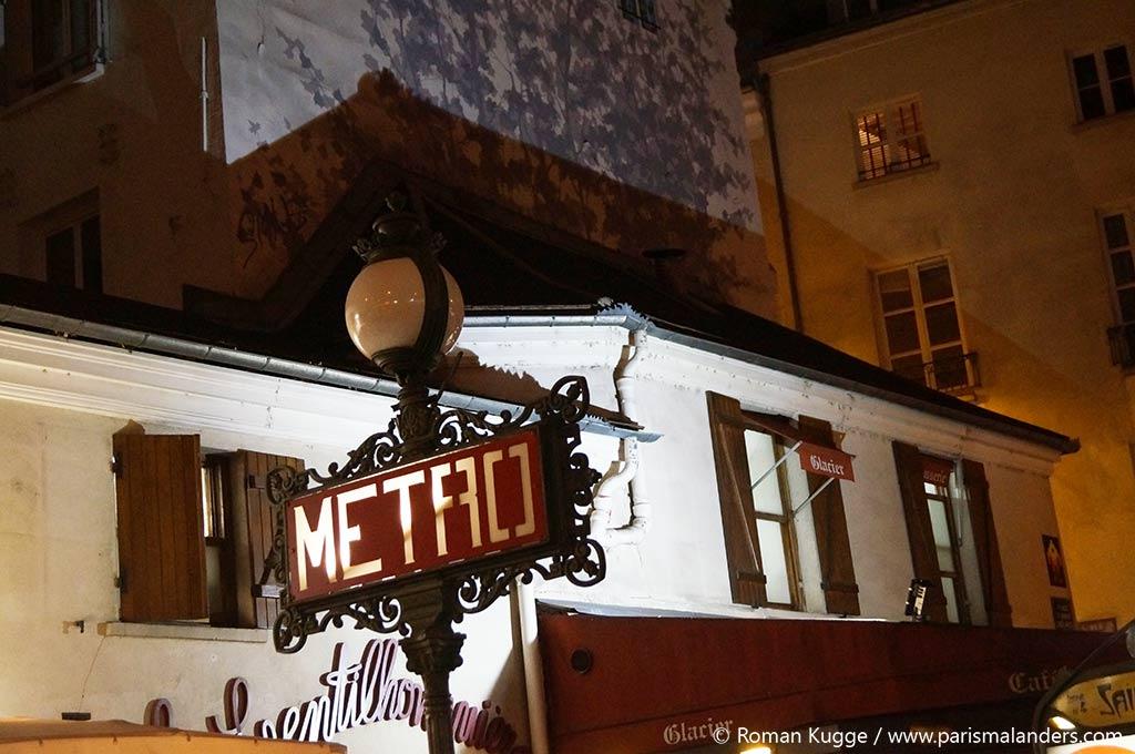 Metro Schild Weihnachten Paris