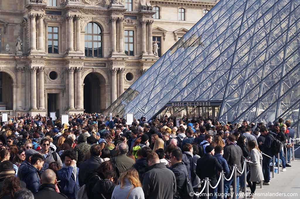 Wartezeiten Louvre Paris