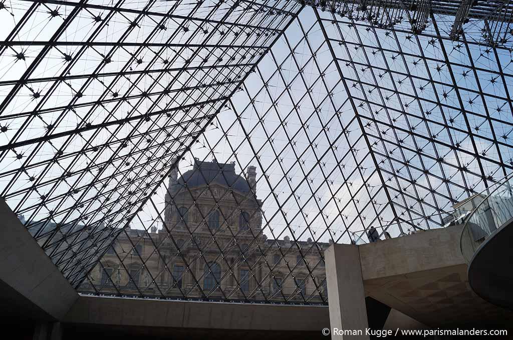 Pyramide Louvre Werk des Teufels 666