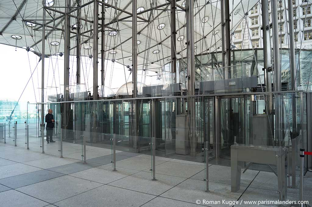 Dachterrasse La Défense Aufzug
